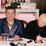 Шансонье Юрий Шишкин и Аркадий Соловечик обмениваются дисками
