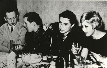 Таганцы в гостях у Г.М.Рахлина. М.Балцвиник, В. Золотухин, В.Смехов, Н. Шацкая. 1967 год. Фото И.Иоффе