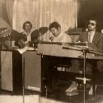 Алые Паруса - 1975. Слева Фима Лернер, Вадик Титиевский, Валера Загаруйко, Масик и Марик Дойбан.
